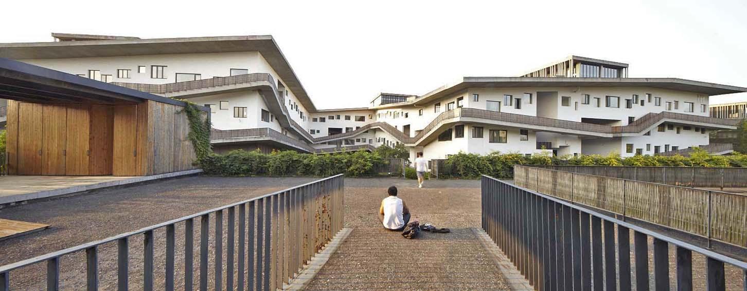 http://zeng-han.com/files/gimgs/32_wang-shu-hangzhou-china-academy-of-art-10.jpg