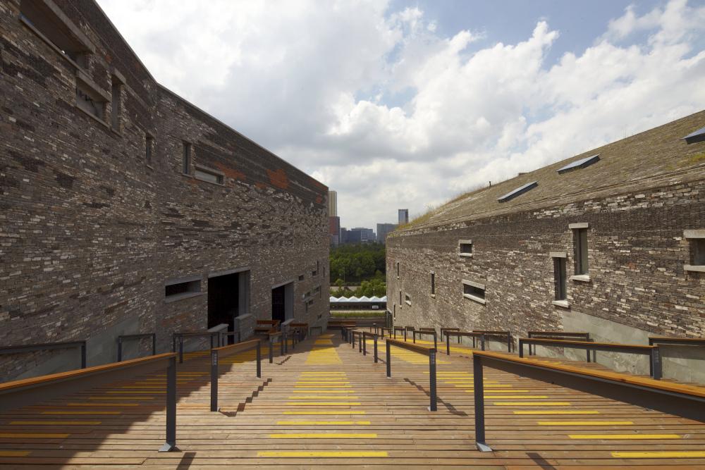 http://zeng-han.com/files/gimgs/32_wangshu-ningbo-museum-18.jpg