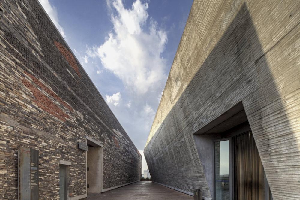 http://zeng-han.com/files/gimgs/32_wangshu-ningbo-museum-20.jpg