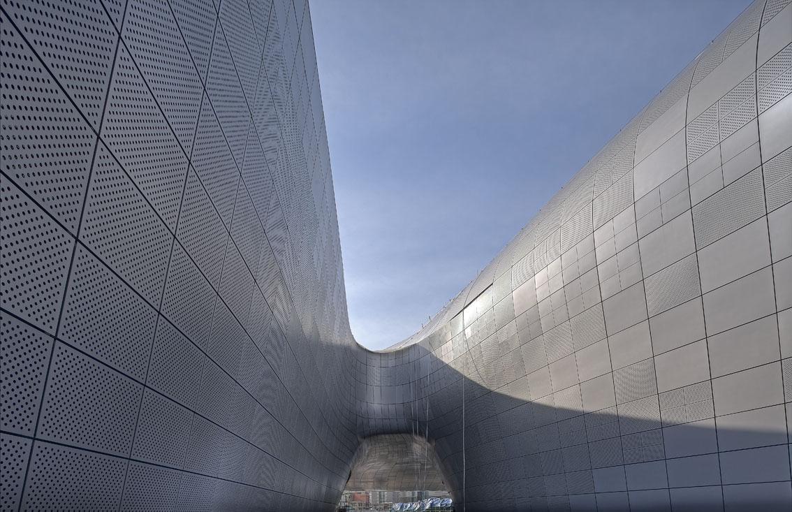 http://zeng-han.com/files/gimgs/34_seoul-dongdaemun-plaza-2.jpg